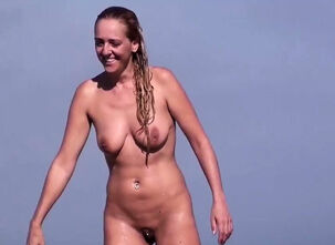 Milf nude outdoors