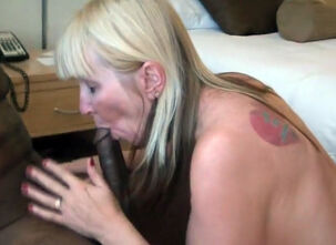 Blonde milf masterbating
