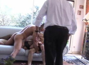 Homemade mature cuckold